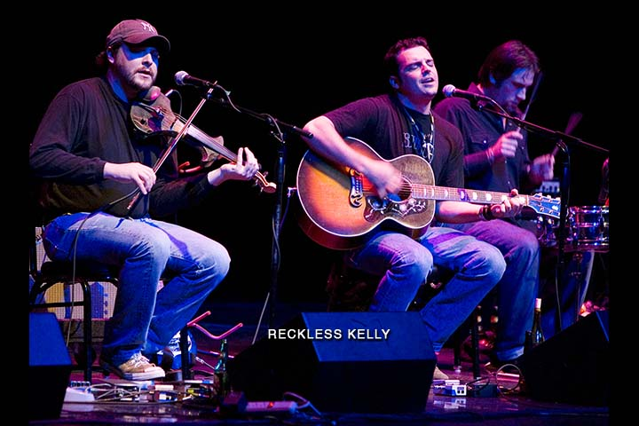 Reckless Kelly plays it cool in 'Hell'